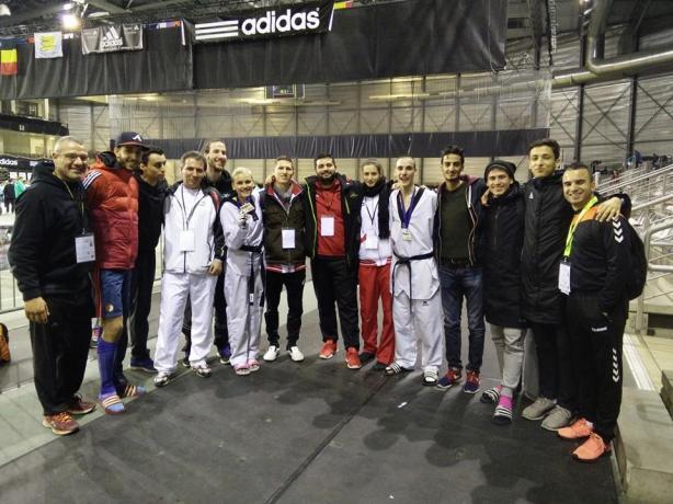 Δύο μέρες πριν από το μακελειό στις Βρυξέλλες, ο αδερφός του Μουράντ (τέταρτος από τα δεξιά) ήταν στην πόλη Λόμελ για αγώνες «G1 Belgian Open»